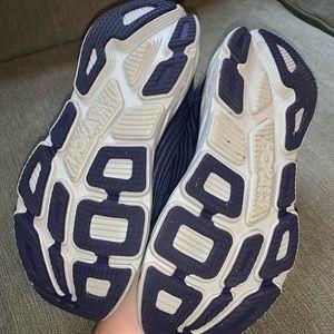 Hoka One One Shoes - Hoka One One Bondi 6